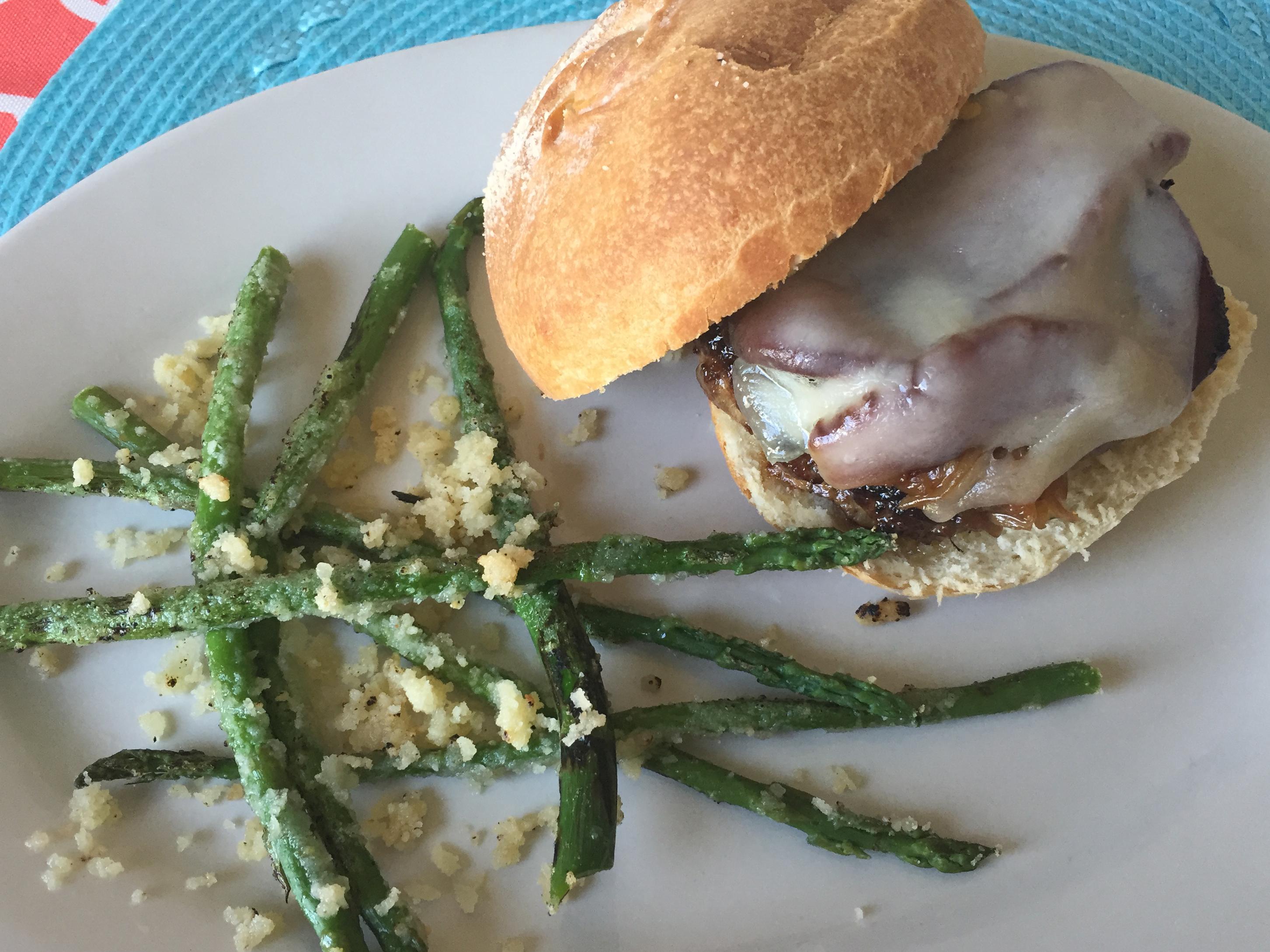 starfishcafe-burgerasparagusfries
